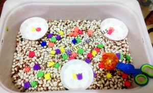 Sorting _foam _pieces_ by_ shape_ using_ handy_ scoopers
