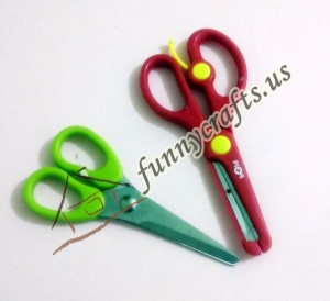 preschool_practising_cutting_skills_scissor_activities