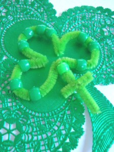 St. Patrick Craft Shamrock Rosary for kıds