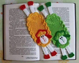 hand knitted bookmark crafts (13)