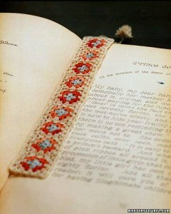 hand knitted bookmark crafts (7)