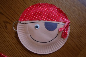paper plate pirate craft