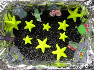 space themed sensory tub for kıds (44)