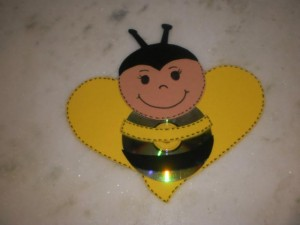 CD bee craft