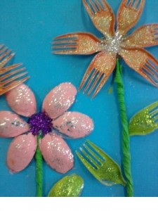 plastic fork craft ideas  (5)