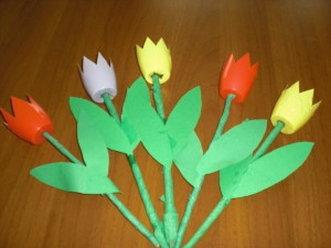 yogurt container crafts for preschool (3)