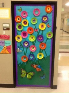cool spring door decorations for preschoolers (4)