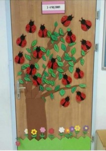 ladybug spring door decoration