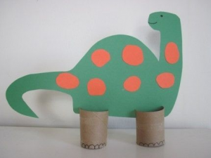 paper roll dinosaurs craft (1)