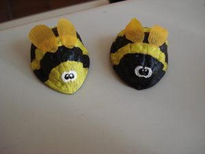 Walnut shell crafts for kids (1)