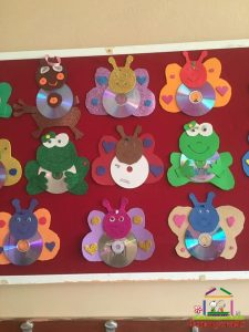 cd craft bulletin board  (4)