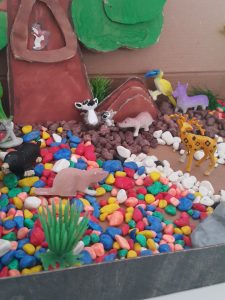forest animals sensory bin