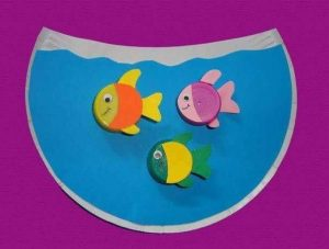 paper plate aquarium craft step2