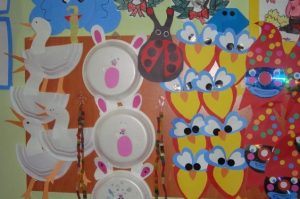 animals-paper-plate-bulletin-board-ideas