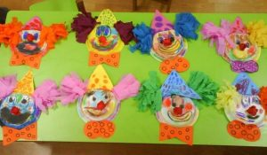 clown-paper-plate-bulletin-board-ideas-2
