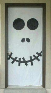 creative-halloween-door-decorations_1