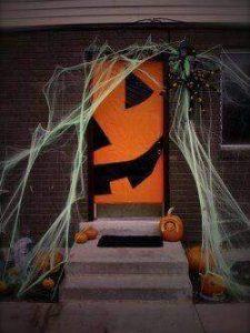 halloween-door-decorations-3