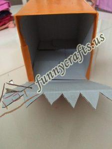 homemade-cardboard-box-fish-craft-20