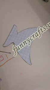 homemade-cardboard-box-fish-craft-7