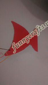 homemade-cardboard-box-fish-craft-8