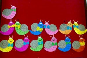 snail bulletin board idea (2)