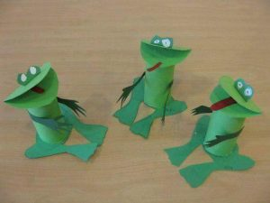 toilet-paper-roll-frog-crafts