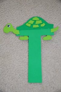 turtle-craft-made-from-letter-t