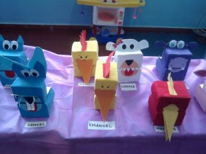 creative-animal-puppets-from-milk-bottles-3