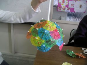 cupcake-liner-umbrella-craft-2