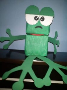frog-puppet-from-milk-bottle