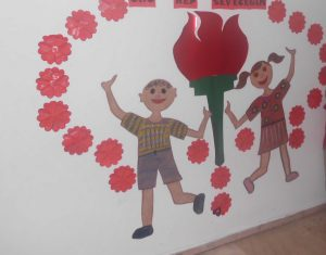 hallway-decorations-for-preschool-4