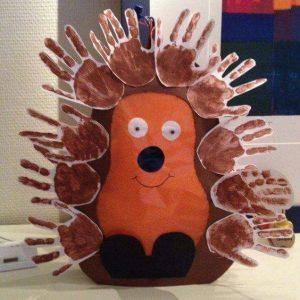 handprint-hedgehog-art-idea