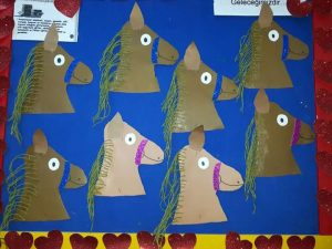 horse-bulletin-board-idea