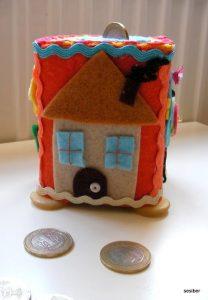 moneybox-craft-with-felt