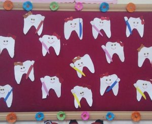 teeth-bulletin-board-idea-4