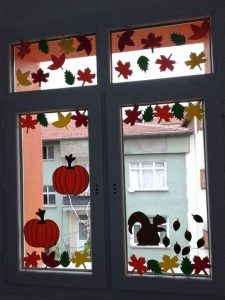 windows-decorations-for-classroom-1