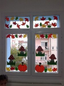 windows-decorations-for-classroom-3