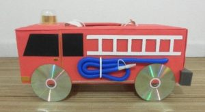 fire-truck-crafts-from-cardboard-1