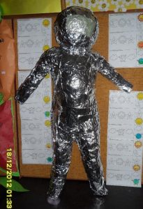 astronauts-costume-crafts-for-kids-2