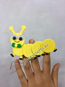 caterpillar-finger-puppet