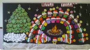 christmas-hallway-decorations-2