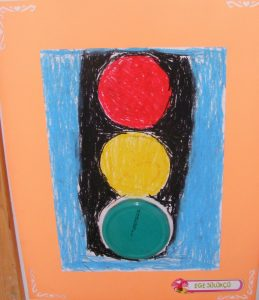 how-to-make-traffic-signal-model-for-kids-3