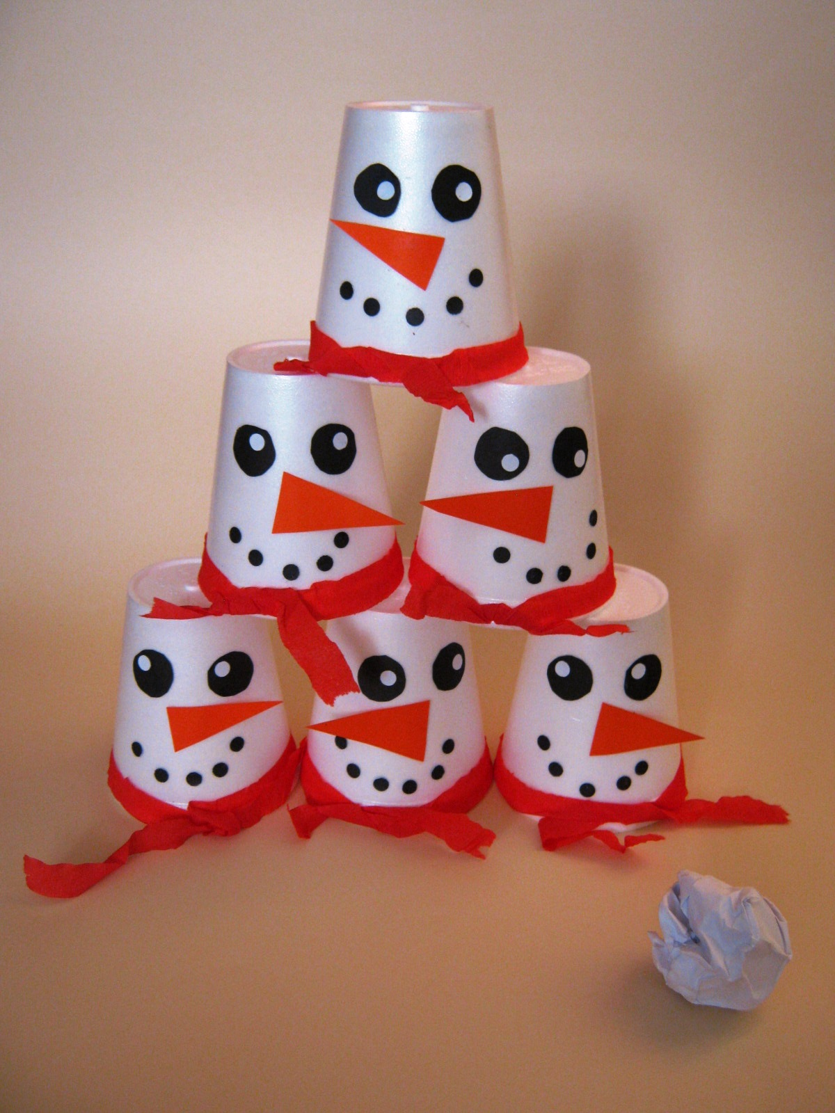 Paper cup snowman craft funnycrafts for Cup snowman