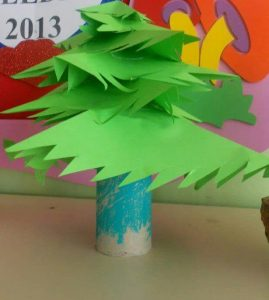 paper-roll-christmas-tree-craft