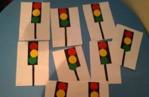 police-week-traffic-light-crafts-for-kids-2