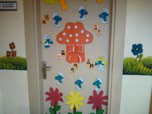 smurfs-door-decoration
