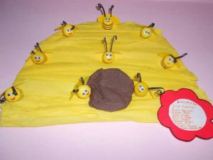 tissue-paper-bee-craft