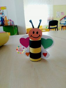 toilet-paper-roll-bee