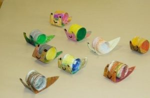 toilet-paper-roll-snail-craft