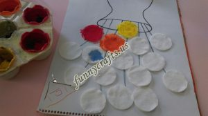 cotton-pads-flower-art-idea-step-3